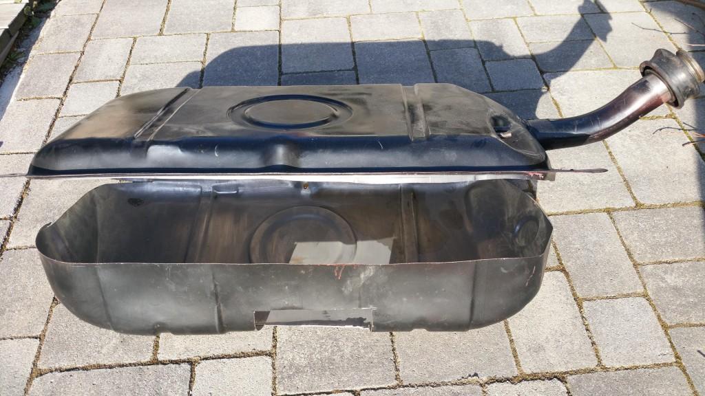 Aufgeschnittener Opel-Tank